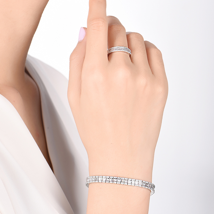 Baguette and Round Diamond Bracelet