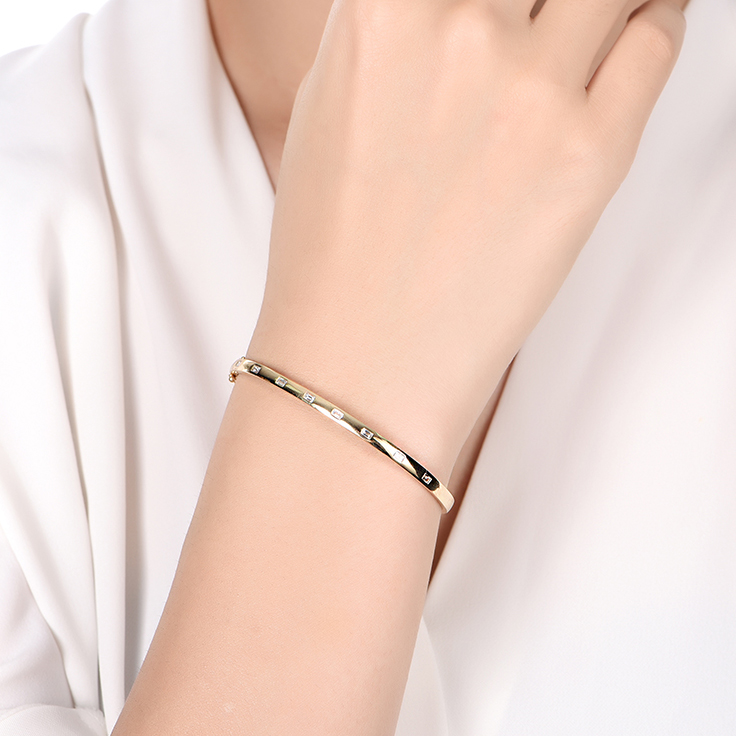 Drop Set Baguette Bangle